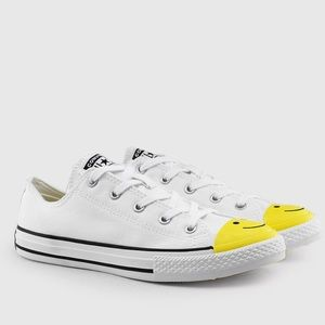Converse Shoes - NWB CONVERSE KIDS SIZE 6